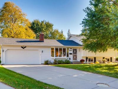 Bloomington MN Single Family Home For Sale: $300,000
