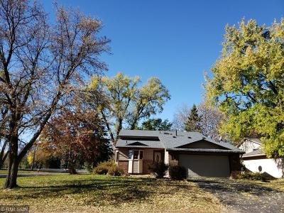 Brooklyn Park Single Family Home For Sale: 8201 Sierra Parkway