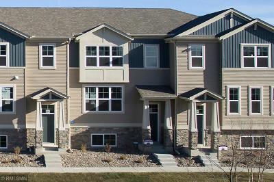 Minnetrista Condo/Townhouse For Sale: 7036 Huckelberry Drive
