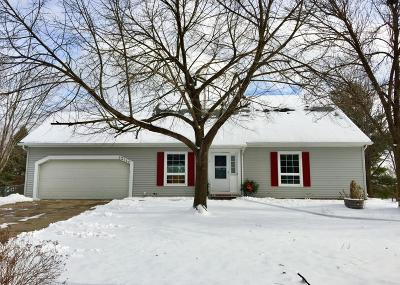 Apple Valley Single Family Home For Sale: 13140 Ferris Court