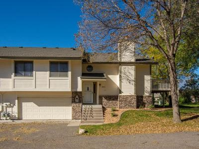 Maple Grove Condo/Townhouse For Sale: 13872 85th Avenue N
