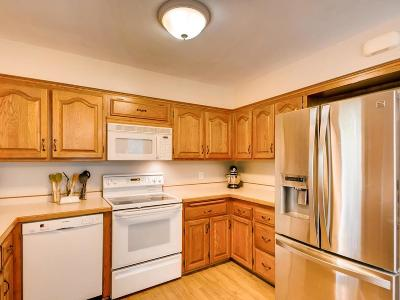 Prior Lake Single Family Home For Sale: 16616 Creekside Circle