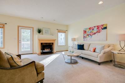 Woodbury Condo/Townhouse For Sale: 10525 Bay View Lane