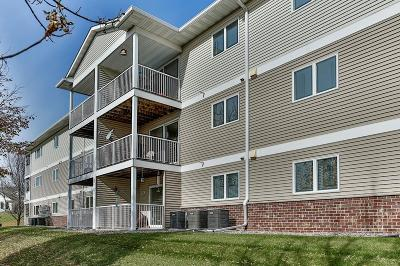 Hastings Condo/Townhouse For Sale: 300 Whispering Lane #208