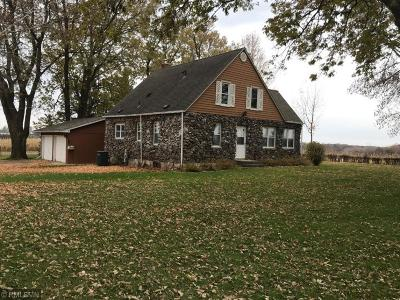 Scott County Single Family Home For Auction: 21211 Sawmill Road