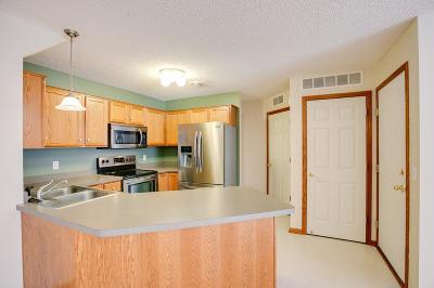 Woodbury Condo/Townhouse For Sale: 8706 Quarry Ridge Lane
