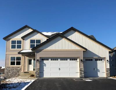 Lakeville Single Family Home For Sale: 20059 Harvest Drive