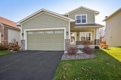 Maple Grove Condo/Townhouse For Sale: 17761 69th Place N