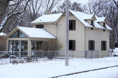 Saint Cloud Single Family Home For Sale: 1802 Kilian Boulevard SE