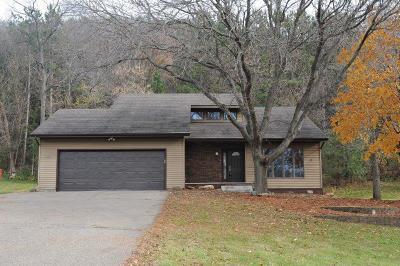 Single Family Home For Sale: 73 E Wood Ridge Drive