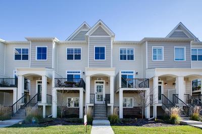 Maple Grove Condo/Townhouse For Sale: 8120 Magnolia Lane N