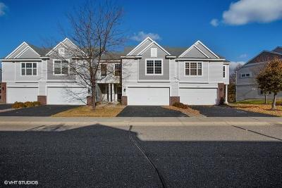 Prior Lake Condo/Townhouse Contingent: 16444 Timber Crest Drive SE