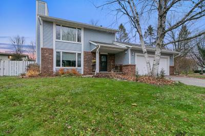 Single Family Home For Sale: 433 River Hills Road