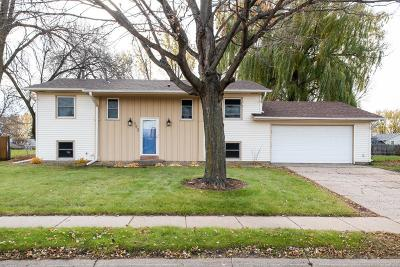 Apple Valley MN Single Family Home For Sale: $265,000