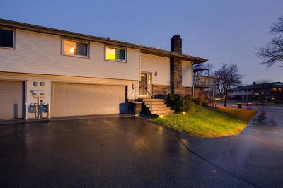 Burnsville Condo/Townhouse For Sale: 636 Portland Place