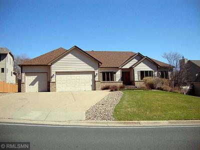 Burnsville Single Family Home For Sale: 14737 Innsbrook Lane