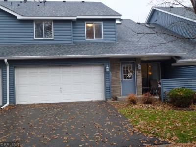 Oakdale Condo/Townhouse Contingent: 4884 Helena Lane N #10
