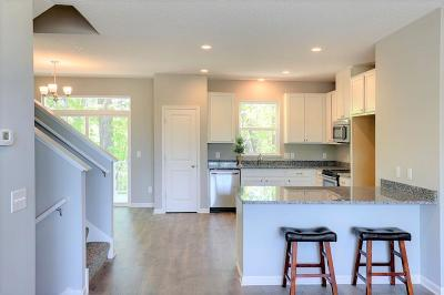 Maple Grove Condo/Townhouse For Sale: 9662 Olive Lane N