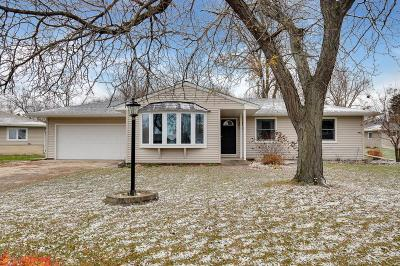 Eagan MN Single Family Home Contingent: $239,900