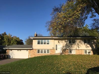 West Saint Paul Single Family Home For Sale: 389 Edith Drive