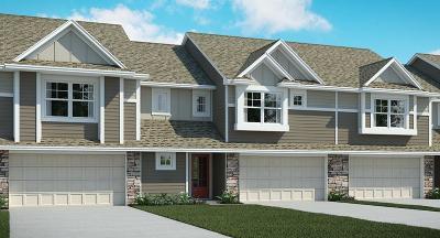 Prior Lake Condo/Townhouse For Sale: 5879 Royalton Road NE