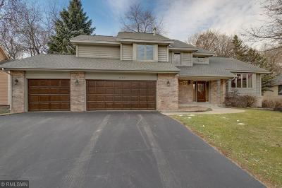 Apple Valley Single Family Home For Sale: 13617 Glasgow Lane