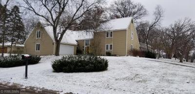Edina Single Family Home For Sale: 6805 Telemark Trail
