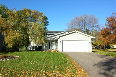 Maple Grove Single Family Home Contingent: 9255 Shenandoah Lane N