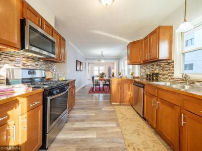 Minneapolis MN Single Family Home For Sale: $199,900