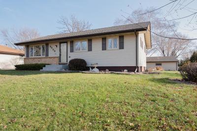 Maple Grove Single Family Home For Sale: 9400 Trenton Lane N