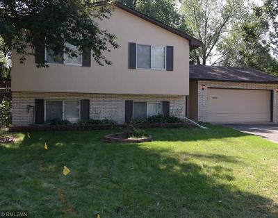 Minneapolis Single Family Home For Sale: 630 Hall Lane