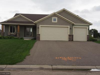 Delano Single Family Home For Sale: 805 Clover Springs Court