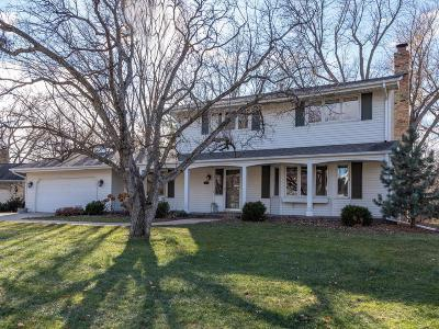 Edina Single Family Home For Sale: 6516 Creek Drive