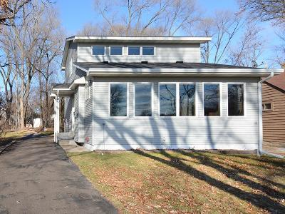 Shoreview Single Family Home For Sale: 291 N Owasso Boulevard
