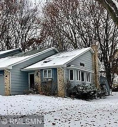 Shoreview Single Family Home Contingent: 4415 Chatsworth Street N