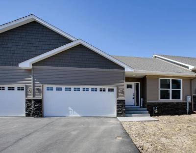 Lakeville Single Family Home For Sale: 18657 Joplin Avenue