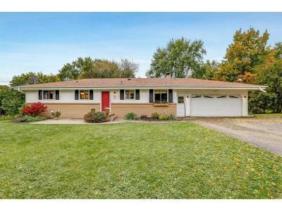 Plymouth Single Family Home For Sale: 1325 Zanzibar Lane N