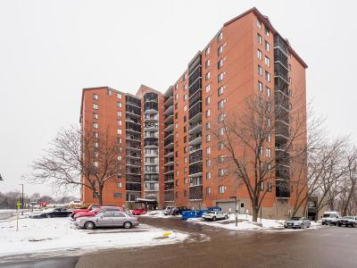 Richfield Condo/Townhouse Contingent: 6500 Woodlake Drive #1014