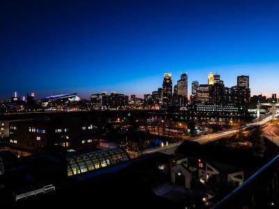 Minneapolis Condo/Townhouse For Sale: 110 1st Avenue NE #F1101