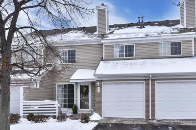 Plymouth Condo/Townhouse Contingent: 5995 Wedgewood Lane N #74