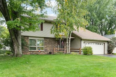 Maple Grove Single Family Home For Sale: 9565 103rd Avenue N