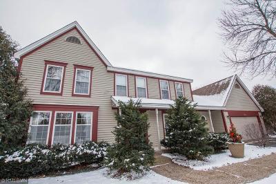 Shoreview Single Family Home For Sale: 5255 E Lake Beach Court