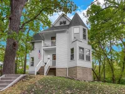 Minneapolis Single Family Home For Sale: 1522 Hillside Avenue N