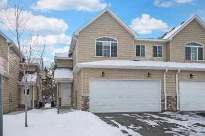 Brooklyn Park Condo/Townhouse For Sale: 1235 Dupont Lane N