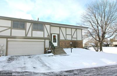 Maple Grove Condo/Townhouse For Sale: 6904 Ives Lane N