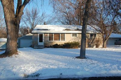 Shoreview Single Family Home Contingent: 1007 Glenhill Road
