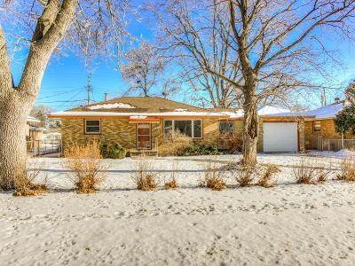 Crystal Single Family Home For Sale: 5932 Hampshire Avenue N