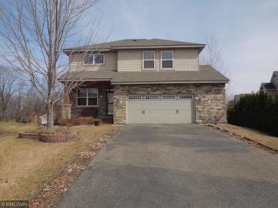 Carver, Eden Prairie, Chanhassen, Chaska Single Family Home For Sale: 1605 Hackberry Court
