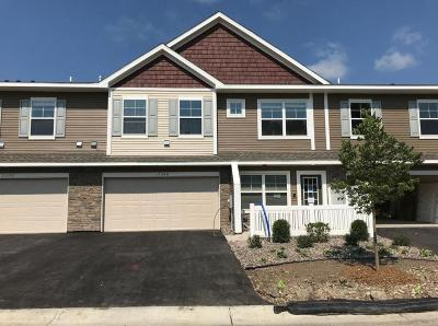 Anoka County, Carver County, Chisago County, Dakota County, Hennepin County, Ramsey County, Sherburne County, Washington County, Wright County Condo/Townhouse For Sale: 17437 54th Street NE