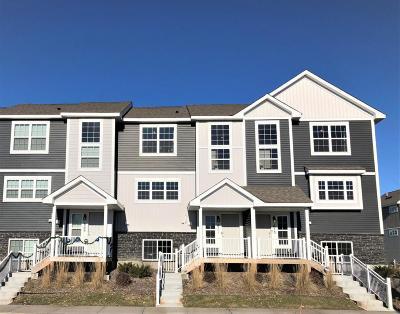 Lino Lakes Condo/Townhouse For Sale: 671 Village Drive